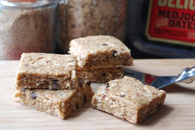homemade protein bars | The pomegranate bandit